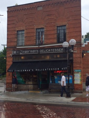 Zingerman's Delicatessen: Outside of building