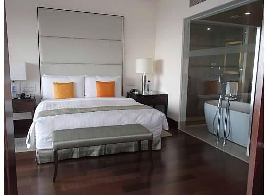 The Oberoi, Mumbai: The Bedroom Suite