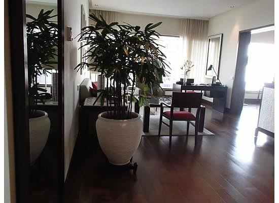 The Oberoi, Mumbai: The living room/Suite