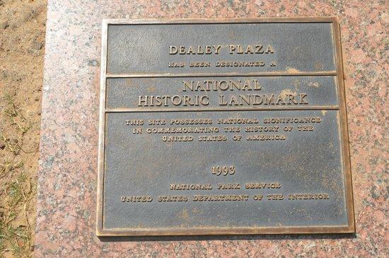Dealey Plaza National Historic Landmark District : la targa
