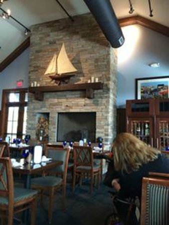 McLoone's Boathouse: one dinning room