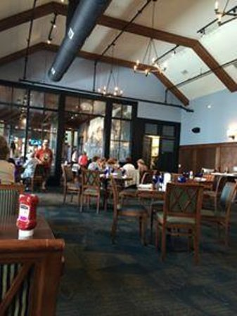 McLoone's Boathouse: another dinning area