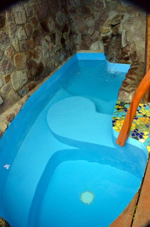 Ladera Resort : pool inside room not heated