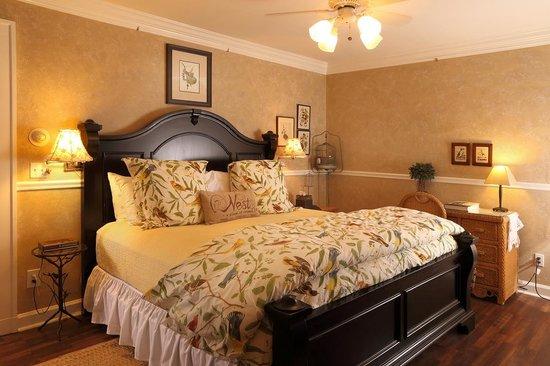Lilac Inn: Audubon Room