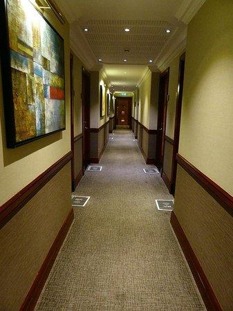 Grange City Hotel: le couloir avec le journal gratuit chaque matin