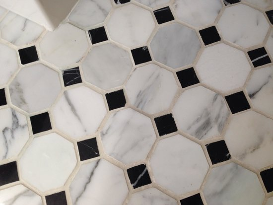 Le Meridien Dallas, The Stoneleigh: Tiled bathroom floors