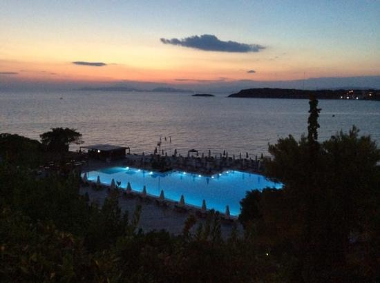 The Westin Athens Astir Palace Beach Resort: pool at night from 5th floor