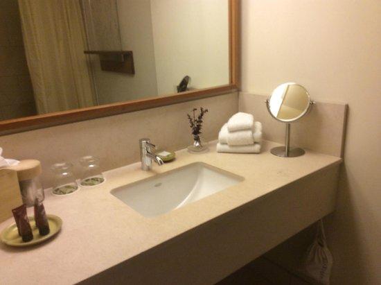 Hotel Vitale, a Joie de Vivre hotel: Baño muy limpio