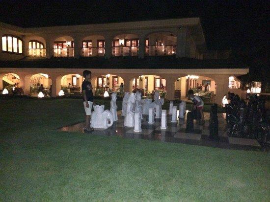 Taj Exotica Resort & Spa Goa: Giant Chess Board