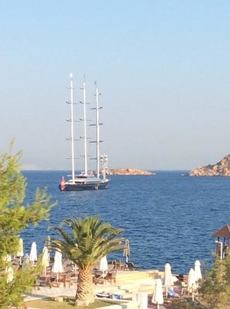 The Westin Athens Astir Palace Beach Resort: Maltese Falcon Worlds largest PrivateYacht moored outside my window, the bay is used by lots of
