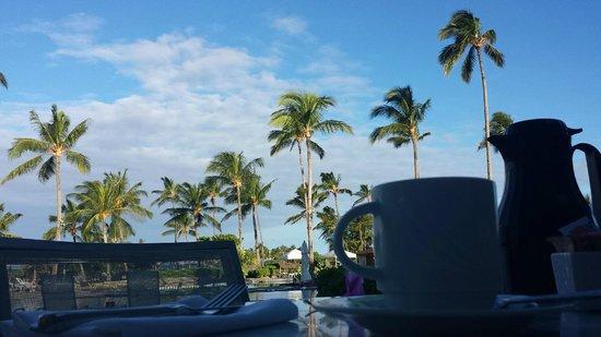 Marriott Waikola Beach: View from breakfast at Hawaii Calls