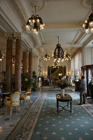 Hotel du Palais: The lobby