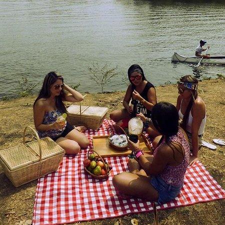 Hostería Florida Tropical: Picnic en el lago