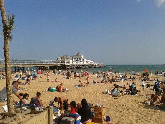 Bournemouth Sands Hotel: Bournemouth Pier Aug 2014.