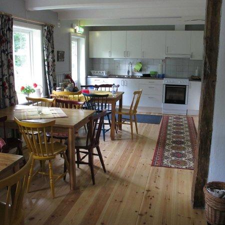 Klaverods Vandrarhem U0026 Cafe: Küche Und Essbereich