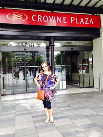 Crowne Plaza Paris Republique: Great friendly hotel