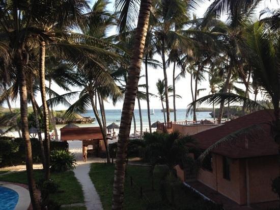 Crystal Bay Resort : spiaggia privata del villaggio