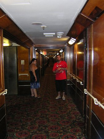 The Queen Mary: Long Hallway of hotel