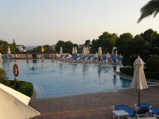Valentin Son Bou: pool