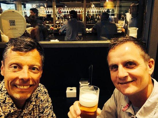Bar Antonio : Well poured cruzcampo!