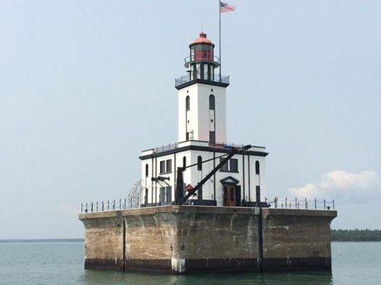 Keweenaw Star Excursions : One of the dozen lights on the tour