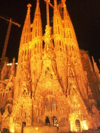Barcelona City Tour: SAGRADA FAMILIA GAUDI