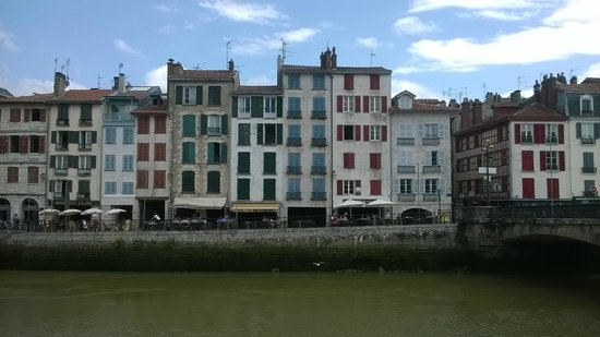 Vista de le Petit Bayonne, desde el restaurante Bajadita. Bayonne.