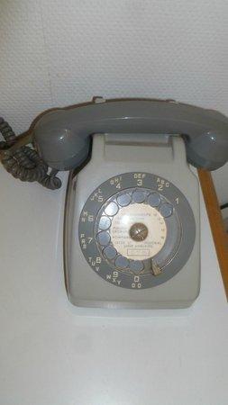 Hotel Le Carina: Téléphone chambre