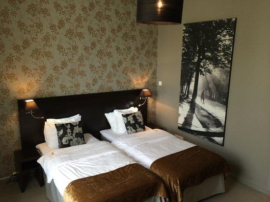 Saga Hotel Oslo: Mooie ruime kamer 1e etage