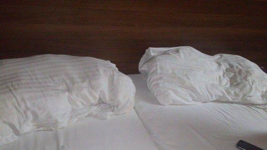 "hotel Colloseum : Almohadas ""cómodas"""