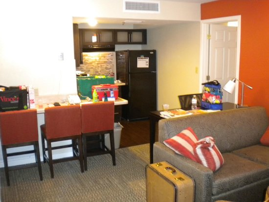 Staybridge Suites Lake Buena Vista: Kitchen before Checkout