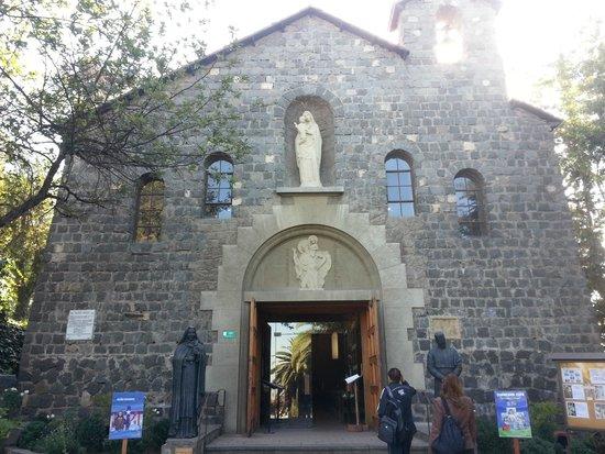 Colline San Cristóbal de Santiago : Capela no topo