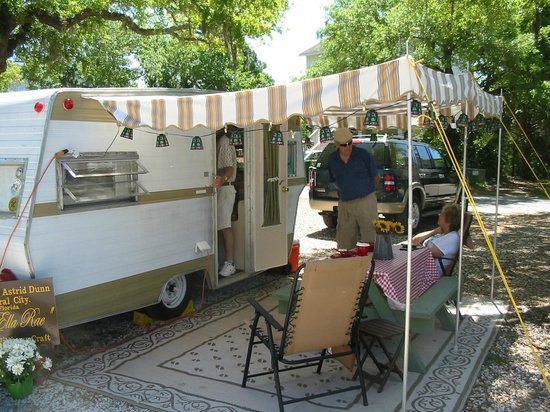 Rivers End Campground and RV Park : Our trailer set up at the campground
