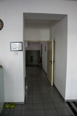 Hotel Lenas Vienna: Wejście na korytarz