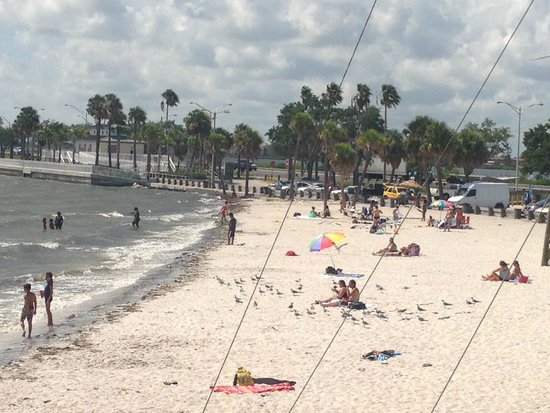 DoubleTree Suites by Hilton Tampa Bay: Beach - 2 minutes away