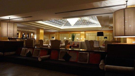Starhotels Metropole: Hall dell'hotel