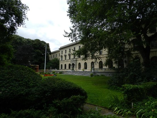 Bronx Historical Tours: Andrew Freedman home on Grand Concourse between 165th-6th Streets