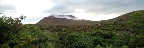 Quetzaltrekkers - Day Tours: Volcan Telica, Leon, Nicaragua