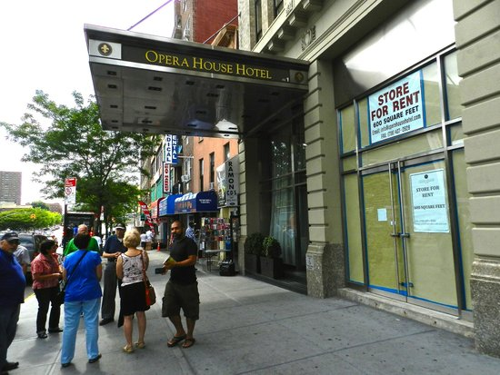 Bronx Historical Tours: The group outside the Opera House Hotel