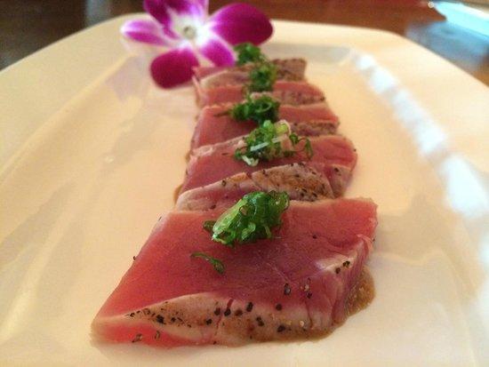 Blue Sushi Sake Grill: Peppered Tuna Tataki