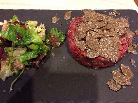Le Chaudron: Steak tartare a la truffe