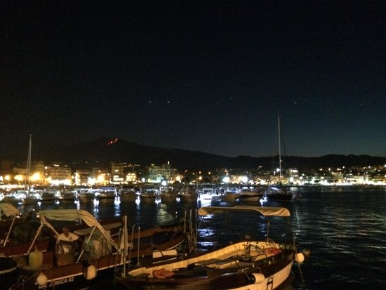 giardini naxos port to taormina