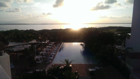 Grand Oasis Sens: The beautiful sunset from our patio
