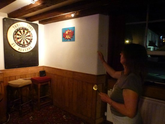 The Three Tuns Hotel: Darts in the Three Tuns