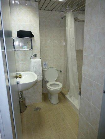 Esperides Beach Family Resort: Salle de bain