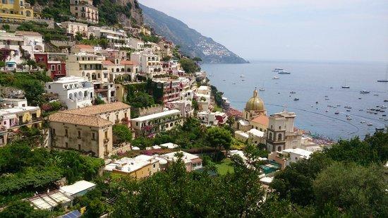 Al Barilotto Del Nonno : Positano town