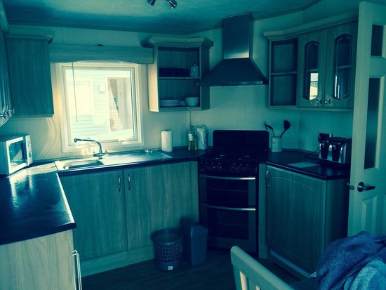 Littlesea Holiday Park - Haven: Bay view 14- kitchen