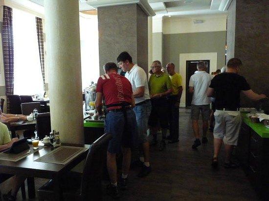 Best Western Plus Krakow Old Town: Breakfast  room
