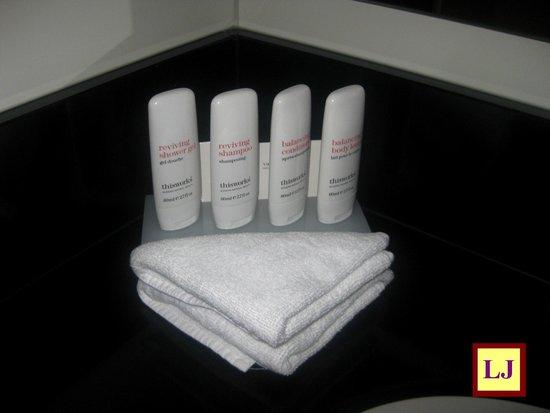 Radisson Blu Hotel, Amsterdam: Baño habitación Suite Junior