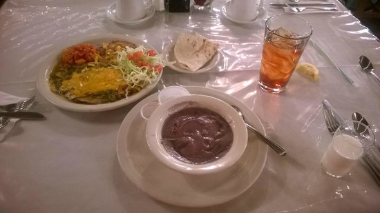 El Rancho Hotel Restaurant : Blue Corn Atole and Heuvos Rancheros!